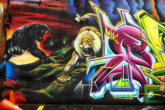 Mural Detail by Plek_Black Light King_UTI